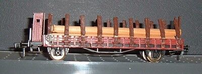 Fleischmann HO,   Low Loader with Stakes, and Log Load.  { 108 }
