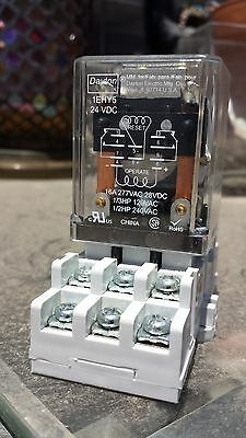 DAYTON 1EHY5 Relay,Latching,DPDT,24VDC,Coil Volts