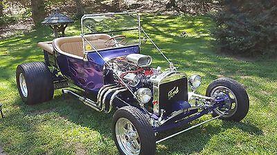 1923 Ford Model T Custom 1923 T-Bucket and enclosed trailer