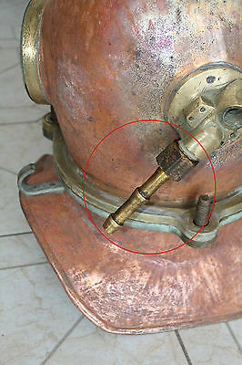 Connection for a hose and Russian 3-bolt diving helmet