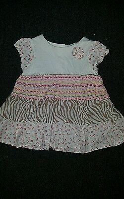 Lovely baby girls dress - age 6-9 months
