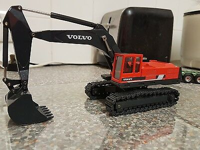 1/50 RED JOAL VOLVO EC650 in great condition