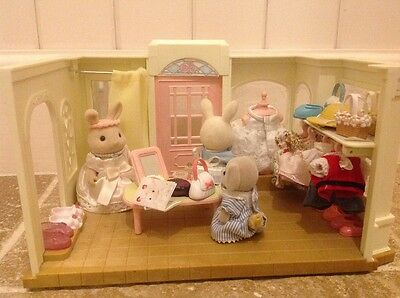 Sylvanian families dress shop and accessories