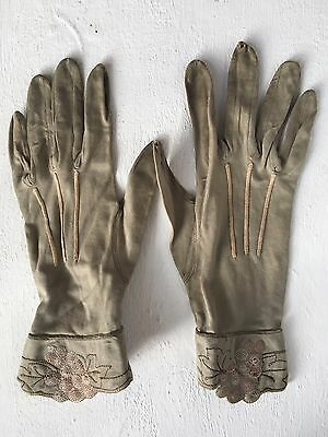 Vintage French Cotton Embroidered Pair of Gant Roger Nimes Gloves