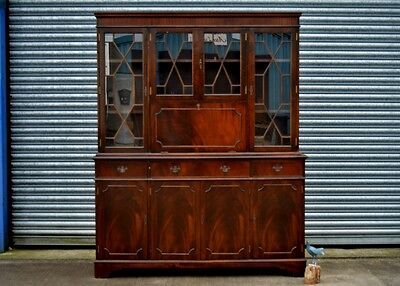Antique Style Bookcase Drinks Cabinet Dresser.