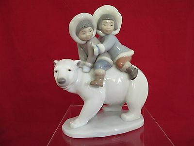 """Lladro NAO figurine #5353 """"Eskimo Riders""""  - Gloss finish - Unboxed - Excellent"""