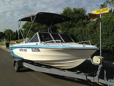18 ft Glastron Fibreglass runabout boat 7 seats