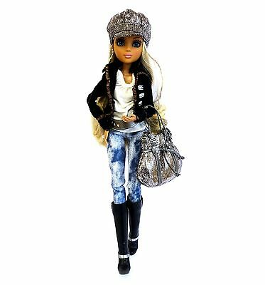 Moxie Teenz doll – Melrose 1st wave with accessories – Excellent condition