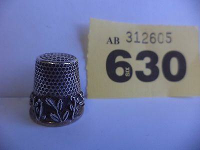 Vintage Continental / Scandinavian Solid Silver Thimble with Flora Decoration