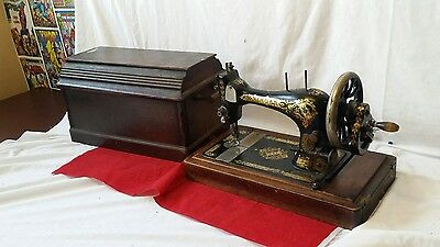 Vintage Singer 28k Hand Crank Sewing Machine - 1902- Wooden Case - British
