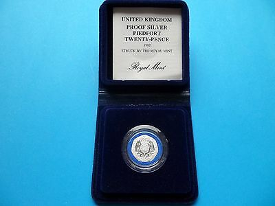 1982 SILVER PROOF PIEDFORT 20p COIN
