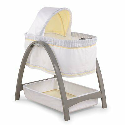 Summer Infant, Inc. Summer Infant Bentwood Bassinet Chevron Leaf, Grey