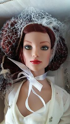 NRFB Winter Romance Glinda LE 300 EXCLUSIVELY FOR Tonner company Store 2008