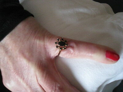 Beautiful Vintage 9 ct Gold Sapphire Cluster Ring