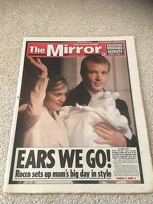 The Mirror 22nd December 2000 Madonna / Guy Ritchie Ears We Go !