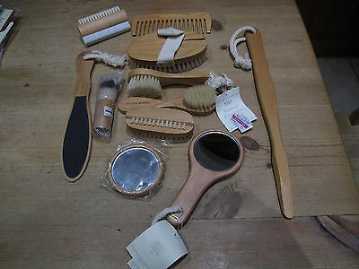 11 Items of Wooden Brushes, Mirrors & Grooming Items