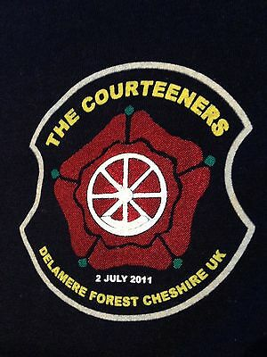 The Courteeners Delamere Forest Cheshire UK Indie Band T-shirt RARE Small 2.7.11