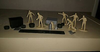 vintage scalextric action figure Pit Stop men with extras Rare