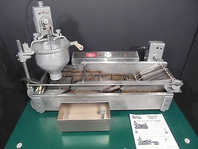 Donut Robot / Maker / Fryer / Machine / Belshaw Dr 42