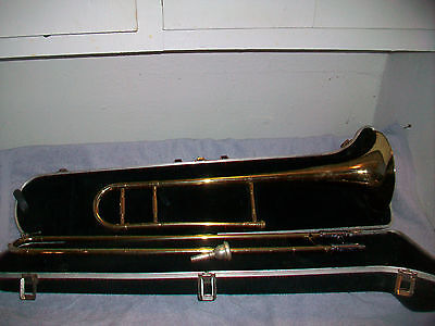 Holton Tr-602  Brass Trombone With Holton Moutpiece & Hardcase