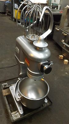 Hobart Commercial 20 Qt ---Three Speed Dough Mixer With Dough Hook And Paddle