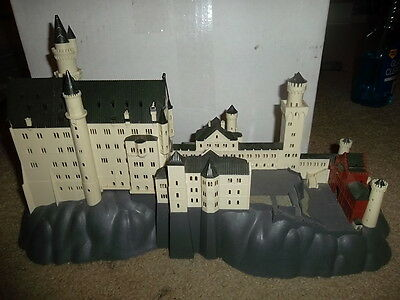 Z Scale Castle 1/200 Scale Used Great Piece