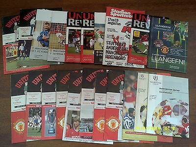 x21 - Manchester United v Foreign Opposition 1982 to 2004 Programme Collection
