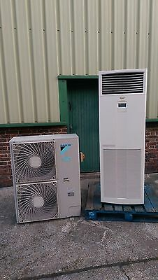 Daikin Air Conditioning 12.5 Kw Floor Cabinet Type Heat Pump System for showroom