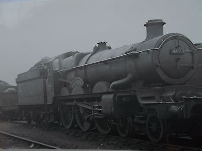RAIL PHOTO(2) 2 X GWR 4049 STAR CLASS 4-6-0 Princess Maud 1 AT WORCESTER 1949