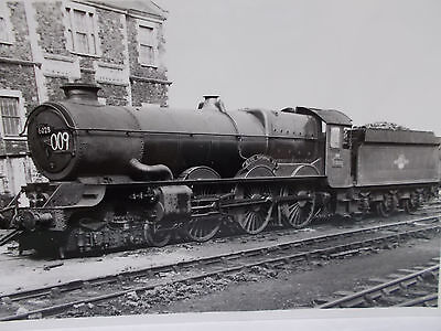"RAIL PHOTO - GWR 6028 KING CLASS 4-6-0 ""King George VI"" at Swindon Works 1960"