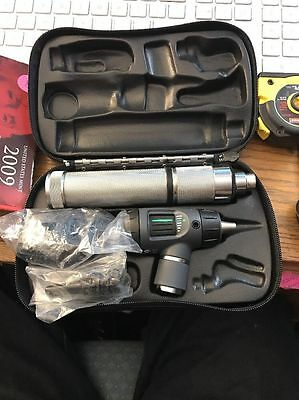 Welch Allyn 71050-C Otoscope & Opthalmoscope Set Excellent Condition