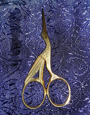Vintage Brass Tone  BIRD STORK EGRET CRANE Miniature Sewing SCISSORS 3.5""