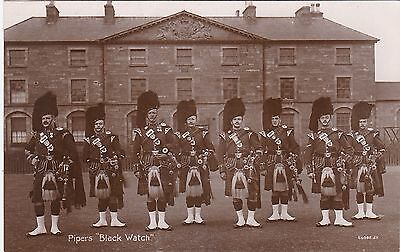 Pipers, BLACK WATCH, Military Group Outside Large House / Barracks ? RP