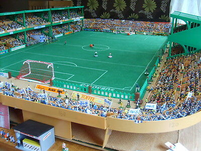 100 Standing New Model Football Fans For Subbuteo/zeugo (All Teams Available)