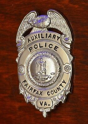 Obsolete FAIRFAX COUNTY VA Police Badge Auxiliary POLICEMAN