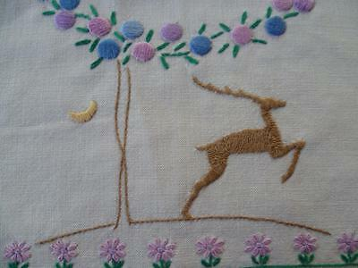 Deco DEER ~Flowers ~ Vintage Hand Embroidered Centrepiece/mat
