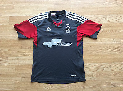 Boys Nottingham Forest Away Shirt. Size 10 Years
