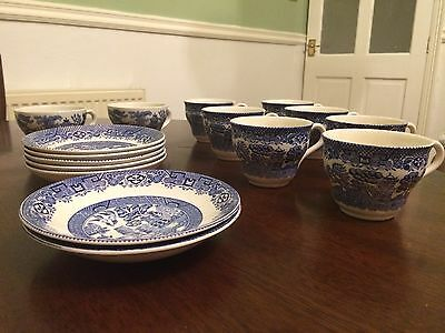 Willow blue and white china cups and saucers (Wedding/shabby chic/vintage)