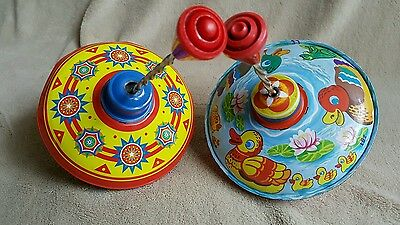 2x Vintage style Childs Small Spinning tops