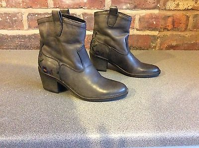Jones Bookmaker Leather Ankle Boots Size UK 2.5 (35)