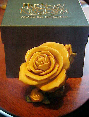Harmony Kingdom Lord Byron's  Single Yellow Rose Limited Edition