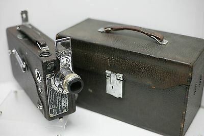 Cine-Kodak Model K 16mm Movie Camera w Anastigmat 25mm F1.9 Lens & Original Case