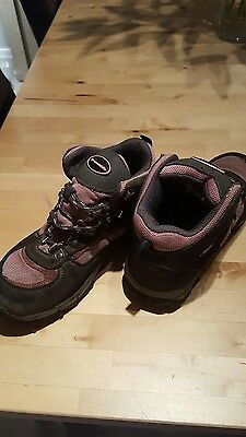 girls mountain life  walking boots grey and pink size 1