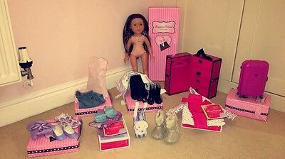 Designa Friends Doll with 5 outfits and accessories in original boxes