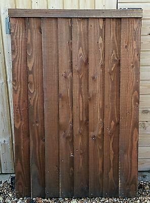 HEAVY DUTY WOODEN GARDEN GATE.5' x 3' FT. 135 x 92CM.SOLID.TREATED.WITH HINGES.