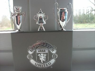 Manchester  United F.c. Treble 1999  The 3 Trophies