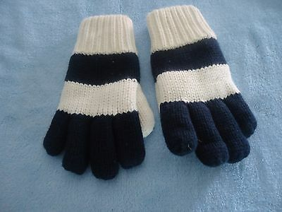Childrens Place Winter Gloves Black & White Striped Fleece Lined Knit Sz 4-6 EUC
