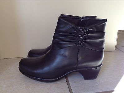 CLARKS Women's Black Leather Ankle Boots Size 7.5M