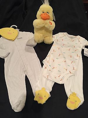 NWT 5 PC Carters Layette Set Size 9 Months & Praying Duck Toy