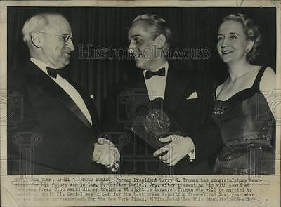 1956 Press Photo Former President Harry Truman, future son-in-law E Daniel, Jr